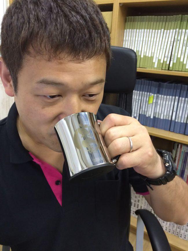 社長の誕生日プレゼントにマグカップ