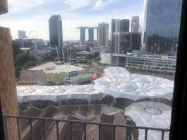 シンガポールのマリーナベイサンズとクラークキーと金融ビル群