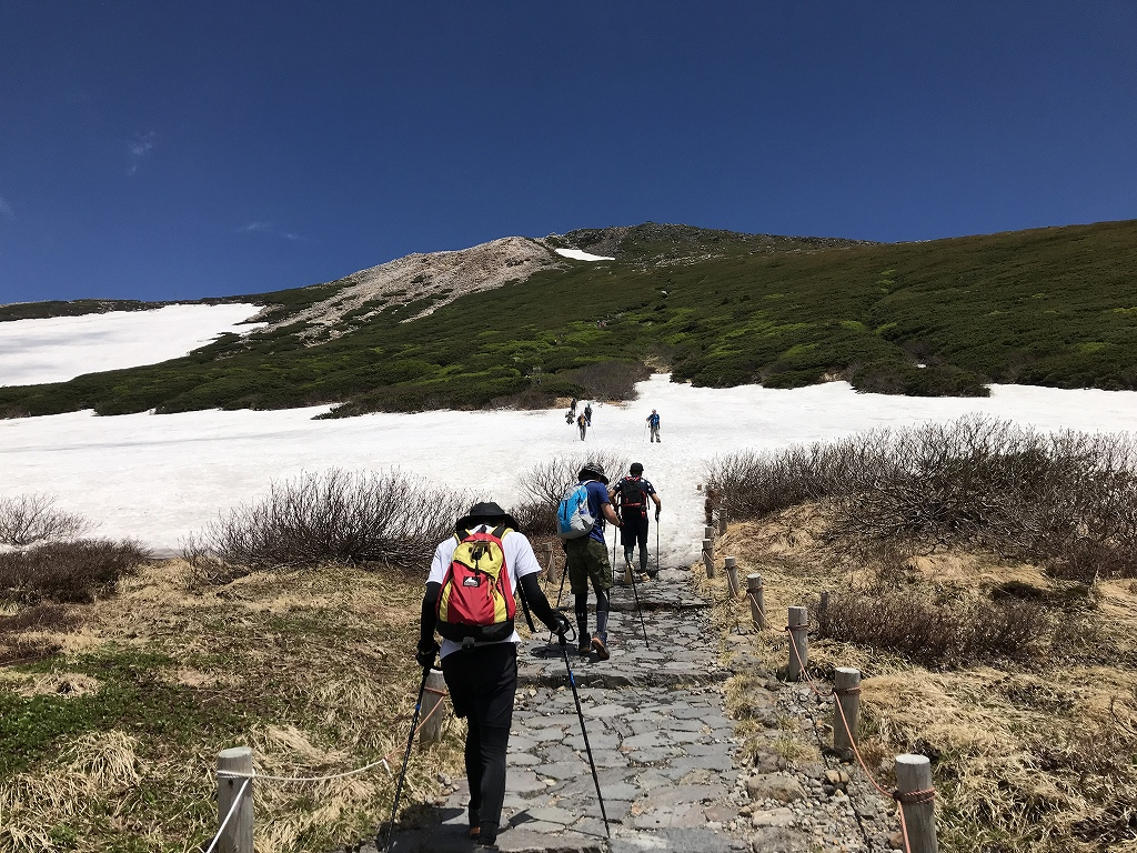 BBR経営塾のメンバーで白山登山